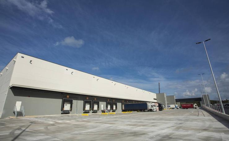 Comienza a funcionar el centro logístico de Lupa