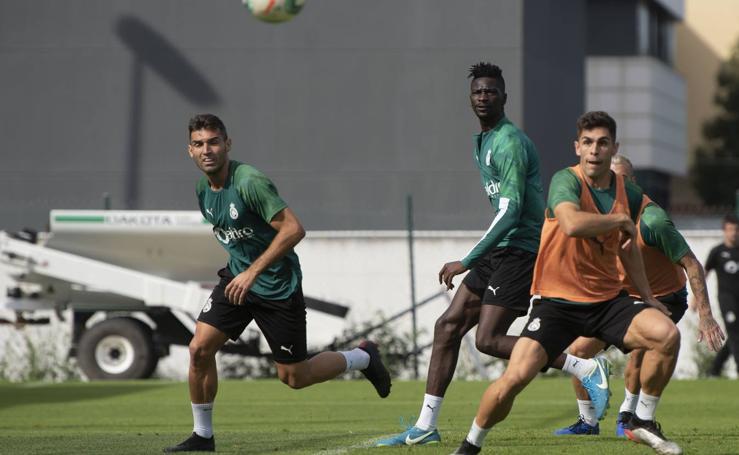El Racing se entrena para el partido contra el Rayo Vallecano