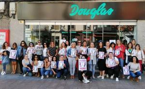 La primera jornada de huelga en Douglas cierra los diez centros de trabajo en Cantabria