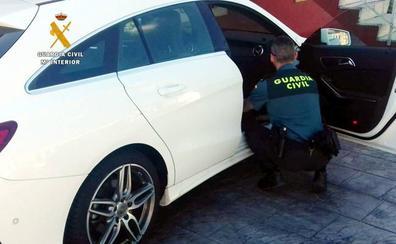 Investigados cinco jóvenes por hurtos en el interior de vehículos estacionados en Suances e Hinojedo