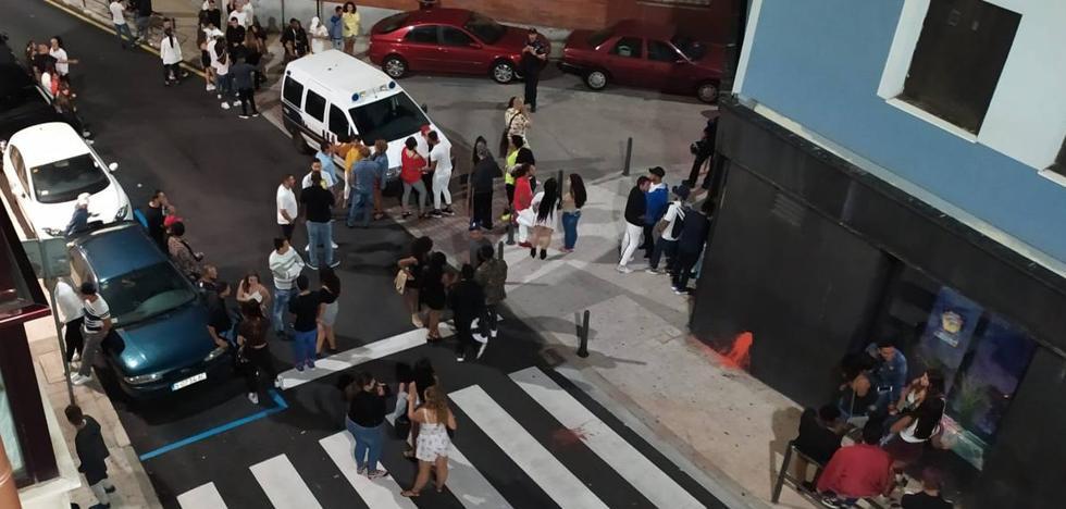 La Policía irrumpe con perros en una discoteca de Juan de Garay en una redada antidroga