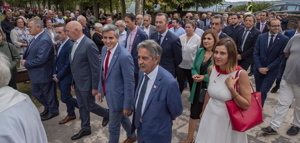 Revilla pide a la Bien Aparecida que haya un Gobierno en España «cuanto antes»