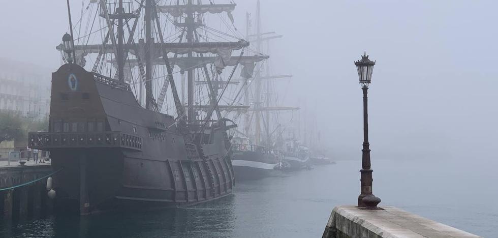 Dos vuelos desviados a Bilbao y se suspende la 'parada de velas' por la niebla