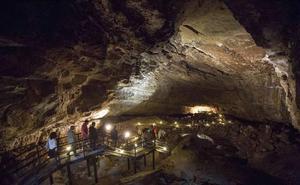 La cueva de El Pendo dobla el número de visitantes en los últimos cinco años
