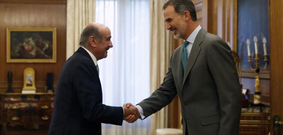 El Rey inicia hoy con el diputado cántabro José María Mazón una ronda de consultas decisiva