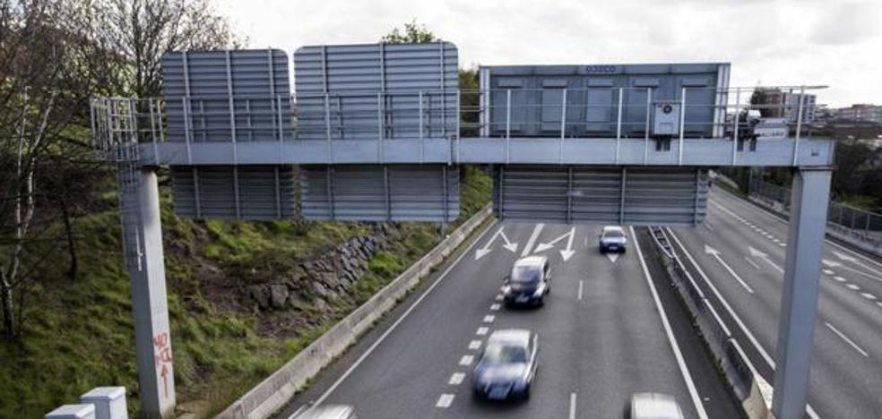 La DGT activará tres cámaras más en Cantabria para vigilar las distracciones de los conductores