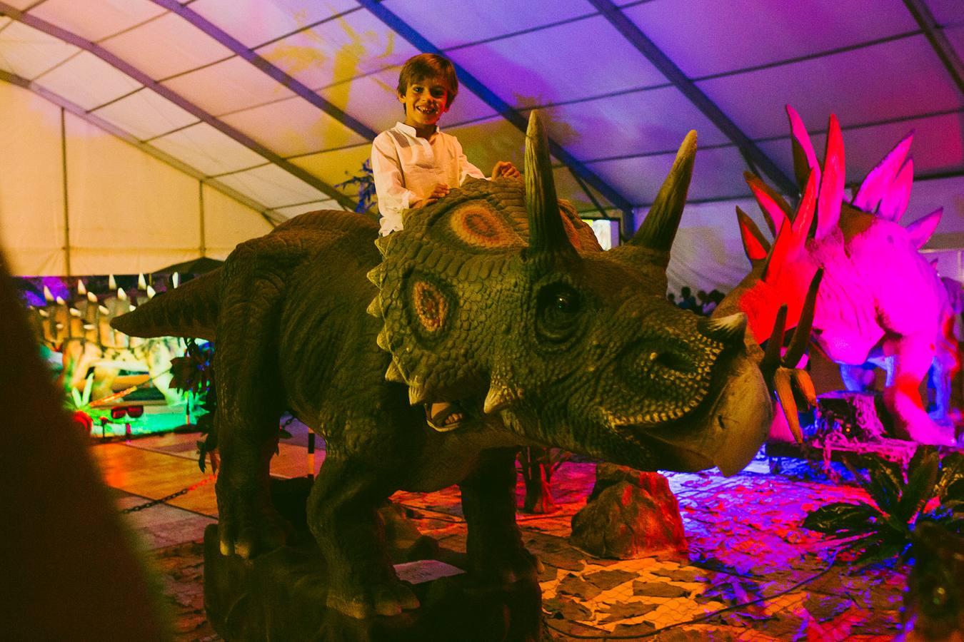 Dinosaurs Tour, la mayor exposición de dinosaurios animatrónicos a tamaño real, llega a Santander