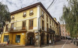 El edificio de Servicios Sociales de Torrelavega será desalojado por daños en la estructura