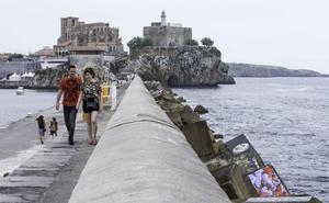 Obras Públicas adjudica la primera fase del refuerzo del rompeolas de Castro