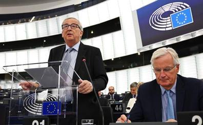 La Eurocámara exhibe firmeza y rechaza un 'brexit' sin salvaguarda para Irlanda