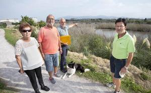 La aparición de peces muertos en la Ría de Raos reactiva las quejas por los vertidos