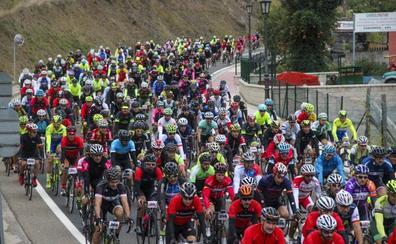 Más de 700 cicloturistas se desafían en la Marcha Jubilar Lebaniega Bike