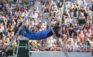 Cabezas gigantes, equilibrios y un circo abrirán la Muestra de Artes Fantásticas