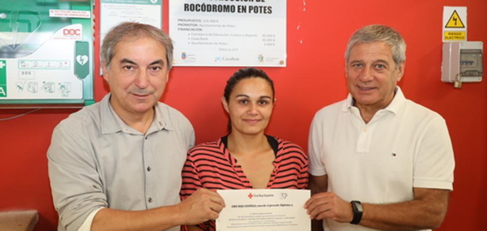 Cruz Roja impartió un curso sobre manejo del desfibrilador en Potes