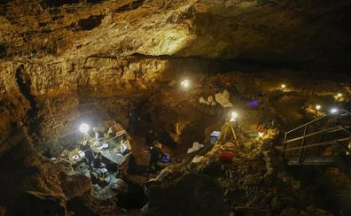 Arqueólogos de la UC hallan varias piezas neandertales de 60.000 años en El Pendo