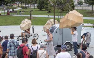 Barracas mágicas, danzas urbanas y marionetas invaden Santander