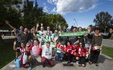 La afición del Racing ya está en Gijón