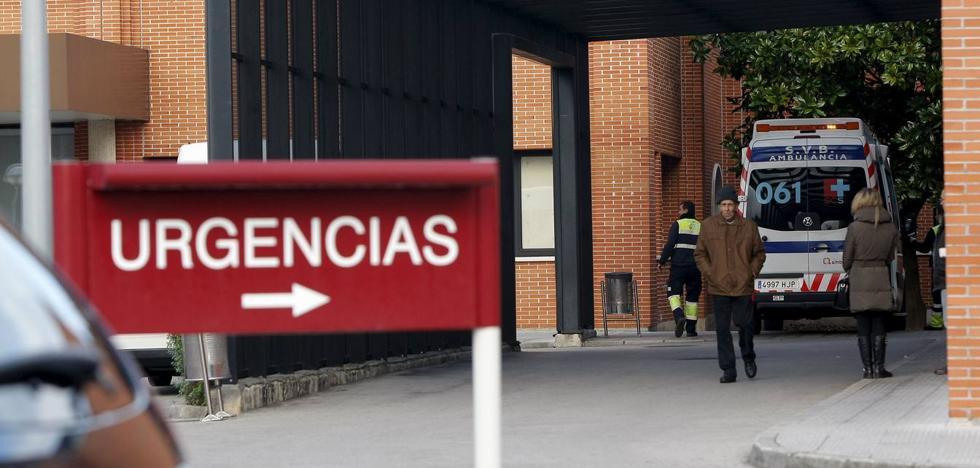 Sanidad relevará también a los gerentes de los hospitales de Sierrallana y de Laredo
