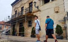 Andamios contra la caída de piedras en el Ayuntamiento de San Vicente