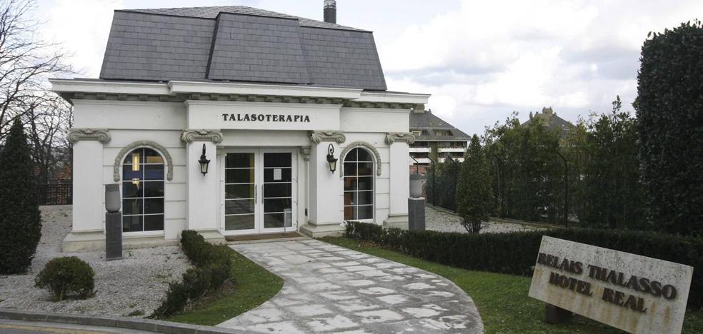 Una mujer que resbaló en el spa del Hotel Real recibirá 12.600 euros