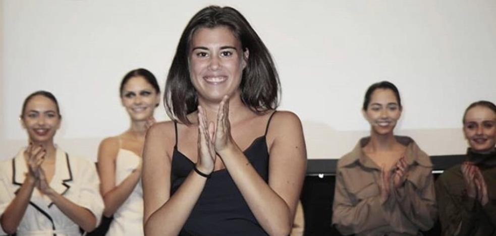 Celia Sañudo convierte sus raíces santanderinas en prendas únicas en su debut en la moda