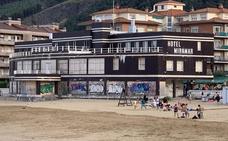 Comienzan los trámites previos para el derribo del Hotel Miramar de Castro