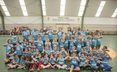 Camargo anima a las niñas a jugar a fútbol sala