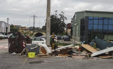 Los empresarios del polígono de Otero se quejan del reiterado vertido de basuras