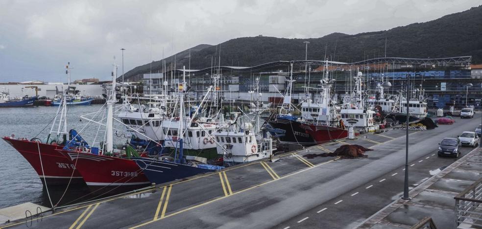 Obras Públicas estudiará la ampliación del muelle de atraque de Santoña