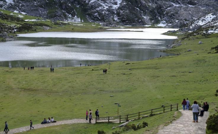 Ruta circular de baja dificultad por los Lagos de Covadonga
