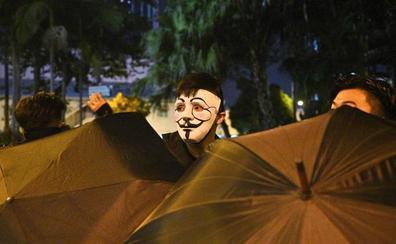 Hong Kong prohíbe las máscaras con multas de hasta 4.000 euros