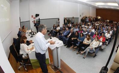 Revilla pide «rematar la faena» a los suyos «con dos diputados y un senador»