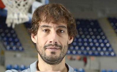 David Doblas debuta en el baloncesto uruguayo a sus 38 años