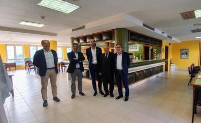 Los Servicios Sociales de Torrelavega se trasladarán a un local cedido por Caja Cantabria en la Plaza Mayor