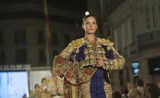 La costura solidaria del cántabro Ángel Palazuelos contra el cáncer de mama