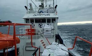 El barco humanitario Aita Mari recibe el permiso para dirigirse al Mediterráneo