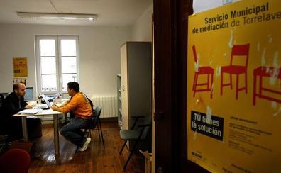 Torrelavega aumentará las horas del Servicio de Mediación Hipotecaria