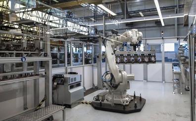 La parálisis del automóvil ya afecta a la planta de SEG Automotive en Treto