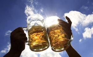 Un brindis con cerveza por el Pilar en Santander, Laredo y Torrelavega