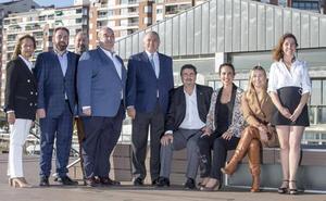 Vox presenta a sus candidatos de Cantabria a las generales