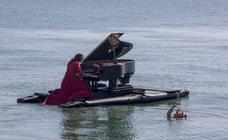 La música se baña en la bahía