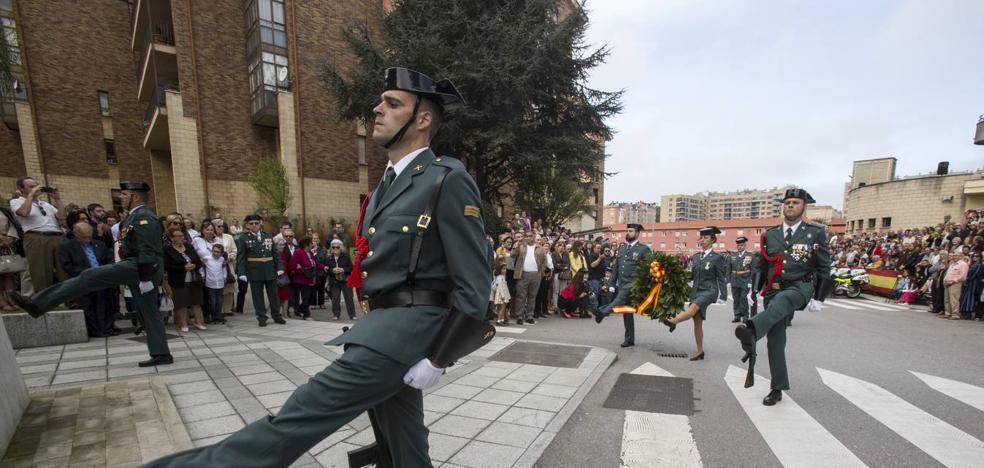 Echevarría alaba el papel de la Guardia Civil en la defensa de la democracia española