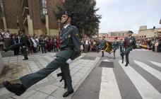 Imágenes del acto de celebración del Día de la Guardia Civil en el cuartel de Campogiro
