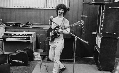 Frank Zappa no esta muerto, solo huele raro