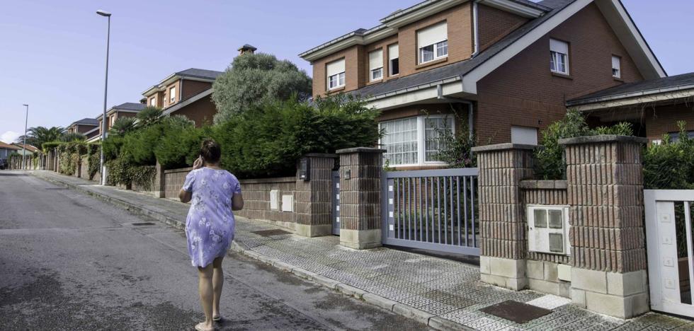 Los vecinos de Piélagos pagarán 776.000 euros extra para costear los derribos