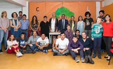 Revilla resalta la «gran labor» que realiza el colegio Stephane Lupasco de Santander