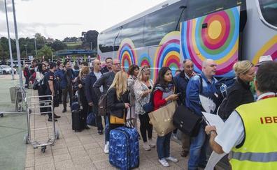 Suspendidos los vuelos de Santander con Barcelona por los incidentes en El Prat