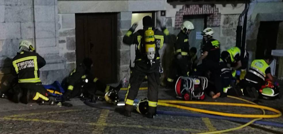 UGT denuncia la falta de personal y los medios deficientes en el parque de bomberos de Laredo