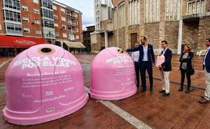 Torrelavega se suma a la campaña 'Recicla vidrio por ellas' con dos iglús rosas
