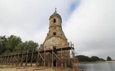 Comienza la rehabilitación del entorno y la pasarela de la torre de Villanueva